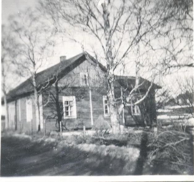 Osuuskaupan Latovainion myymälä 1959 etelästä kuvattuna. Kuva Jukka Lahti.