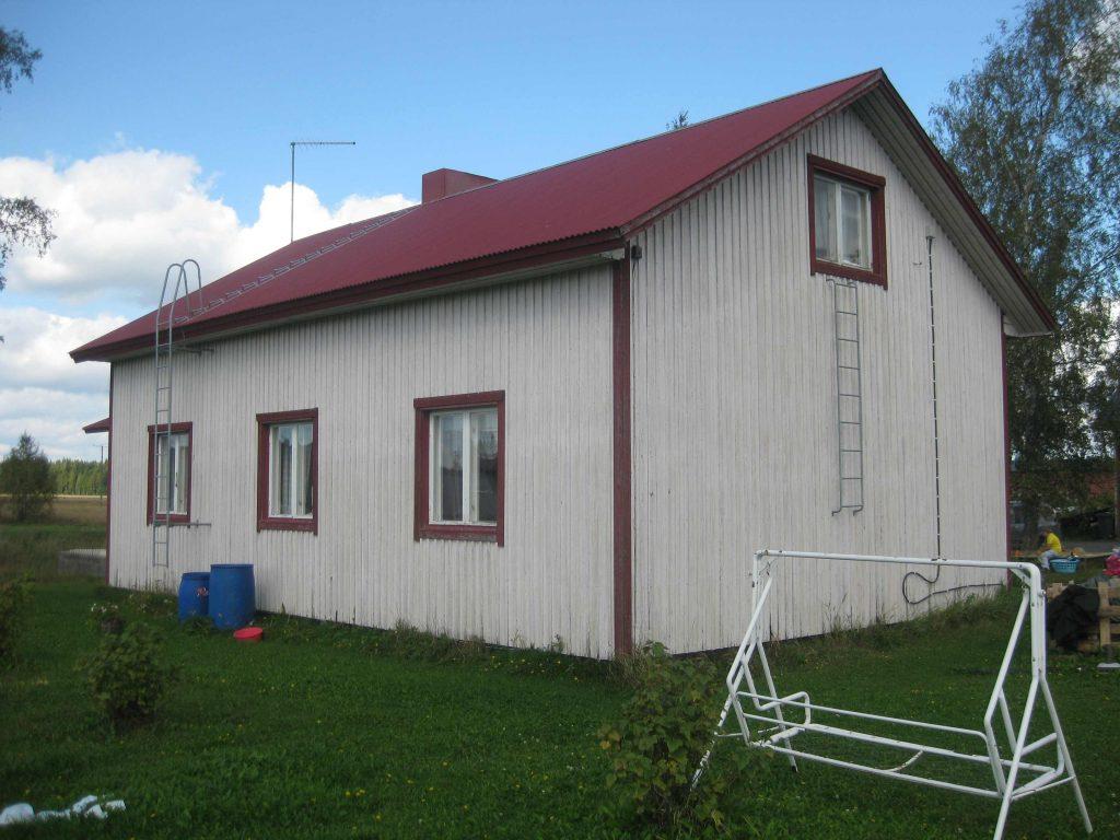 Ruotsalaistalo 2014 Jokioisten Kuumassa. Talon nimeksi tuli Seppälä, koska siihen sijoitettiin Eino Seppäsen perhe. Sittemmin talossa asui Eino Parilon perhe. Nyt talo ei enää ole siirtoväellä.